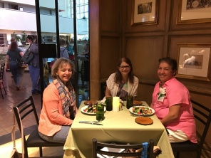 Enjoying dinner after a long day at the convention! (L-R) Linda Bryan, Kay Lowry, Diana Lopez